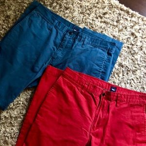 Gap 34x32 men's cotton pants in red and blue. Boot